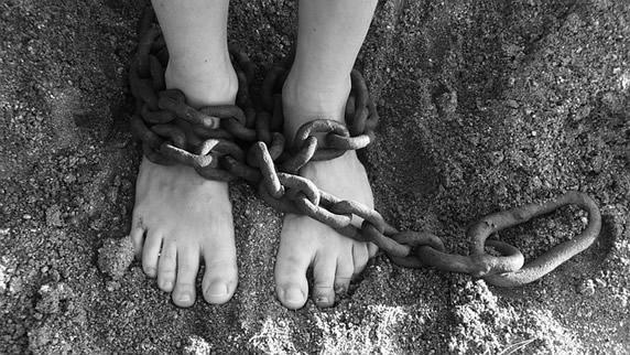 bondage-chains-19176_640